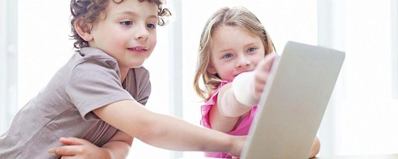 569173 489 800x321 - نحوه مدیریت میزان استفاده فرزندتان از کامپیوتر